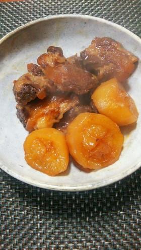 豚の軟骨と旬の大根の味噌煮