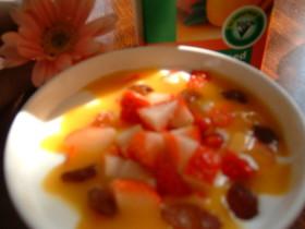 早っ!マンゴー+レーズン+苺+ヨーグルト