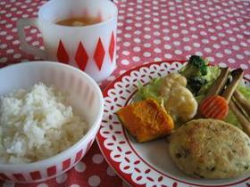 ヤサイと豆腐のハンバーグ定食