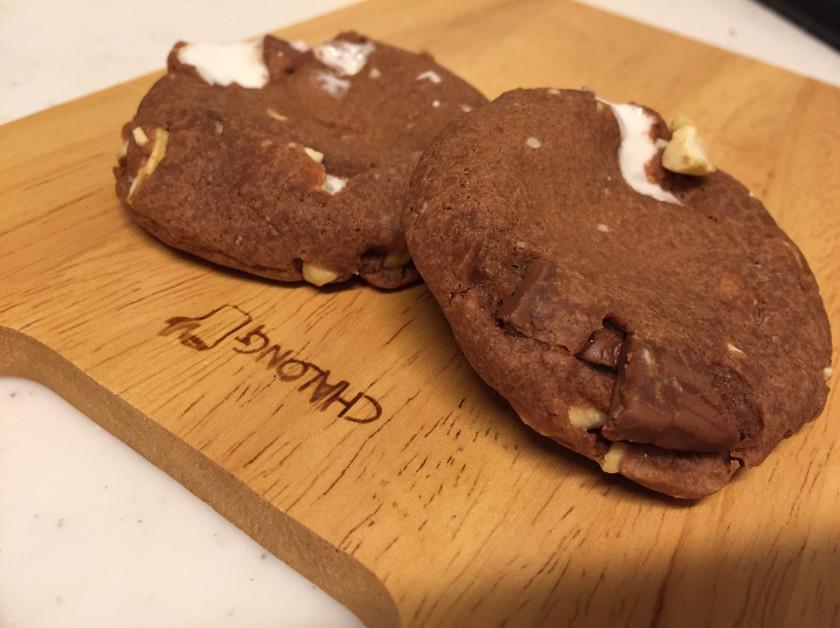 ナッツとマシュマロのソフトクッキー