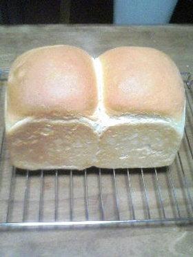 耳がサクサクおいしい食パン