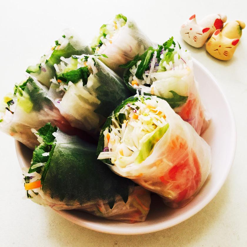 カット野菜で簡単★サーモンの生春巻き♬