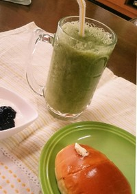ダイエットに飲みやすいグリーンスムージー