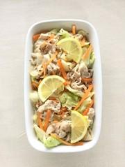 キャベツと豚肉の作り置きおかずサラダ。の写真