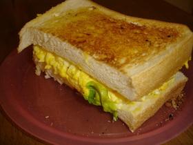 喫茶店風朝ごはん トースト