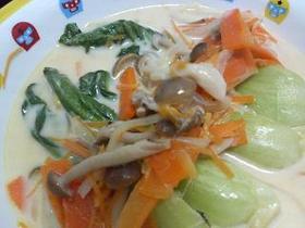 シメジと青梗菜のミルク煮