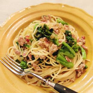 豚ひき肉と菜の花のからしじょうゆ風味パスタ