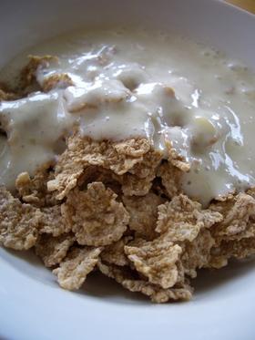 朝食のフレークに♪豆乳ばななヨーグルト