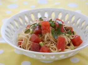トマトとマグロの冷製パスタ♪