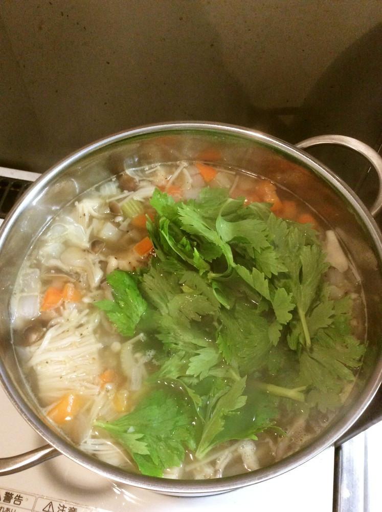 鍋一杯★キヌア入りデトックススープ