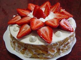いちごと練乳ホイップのショートケーキ