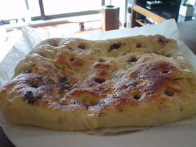 簡単♪厚生地のプレーンピザ