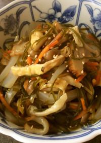 食物繊維豊富な刻み昆布とある物で煮物