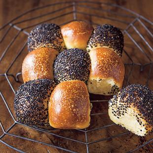 ごまとプレーンのちぎりパン