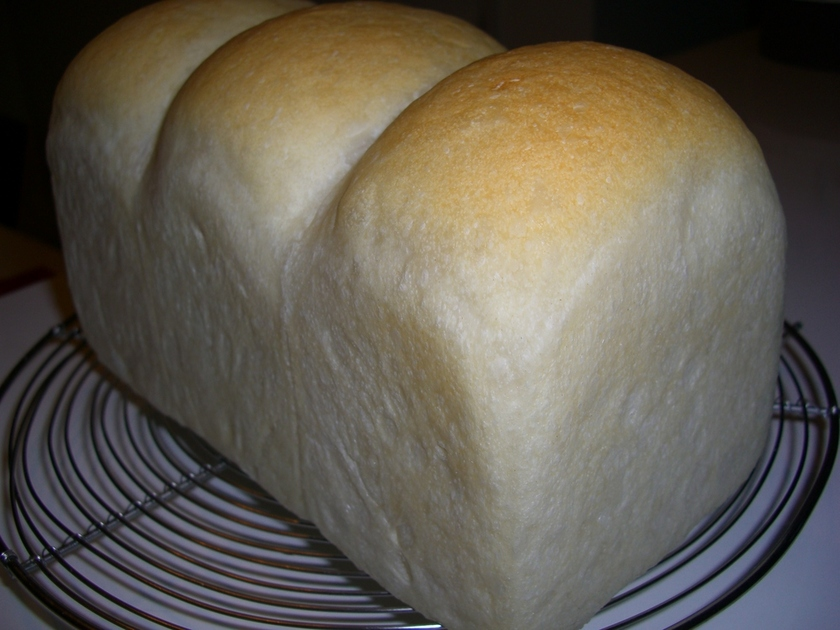 粉と水と塩で天然酵母のハードトースト♪