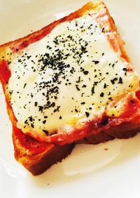 簡単朝食ベーコンエッグマヨチーズトースト