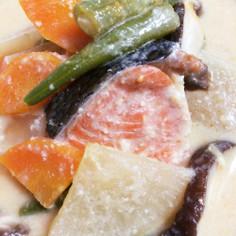 鮭と野菜の酒粕汁(三平汁風)鍋