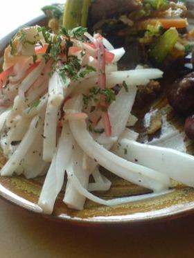 カニカマとちくわの大根サラダ