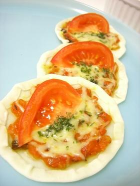 簡単!残った餃子の皮を救済!トマトピザ