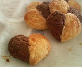 2色のハートのさくさくボックスクッキー