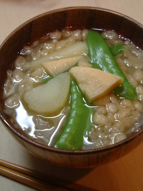 たっぷり野菜のお味噌汁♪隠し味は天かす!