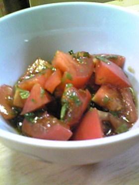 トマトのバルサ・サラダ
