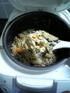 秘伝のタレde簡単☆炊き込みご飯