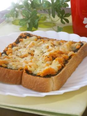 おろし人参と海苔の佃煮のチーズトースト