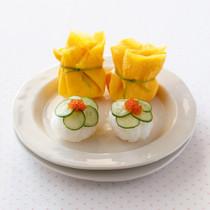 ミニ茶巾ずし(写真奥)