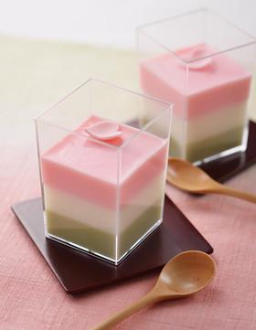 菱餅風3色ミルクプリン