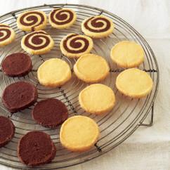 バタークッキー(写真右)