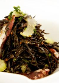 夏バテ予防!蒸し製法ひじきの海鮮サラダ