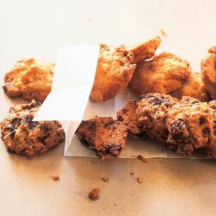 ホワイトチョコ&マカデミアクッキー(写真上)