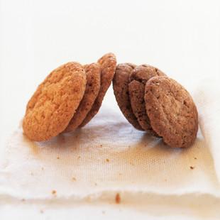 シナモン&ジンジャークッキー(写真右)
