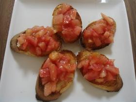 ガーリックトースト トマトのせ