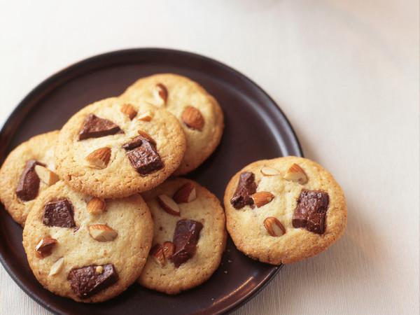チョコとアーモンドのアメリカンクッキー