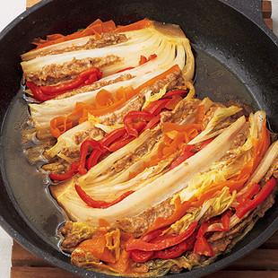 白菜のひき肉詰め蒸し焼き