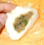 肉まん♪簡単!食パン・肉味噌・レンジだけの写真