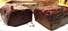 材料4つでしっとり濃厚生チョコケーキ