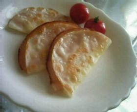 餃子の皮で☆ハムチーズのぺったん焼き♪