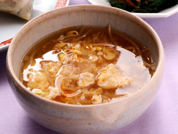 ピリ辛もやしかきたまスープ