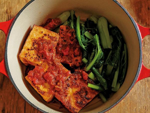 小松菜と厚揚げの梅風味蒸し焼き