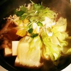 牛肉とレタスのしゃぶしゃぶ鍋