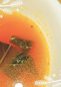 簡単♥ほうれん草と玉葱のトマトスープ