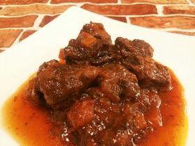 トマトソースで作る牛すじ肉の赤ワイン煮