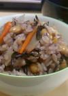 ひじきと大豆のご飯、お好みで黒米もIN!