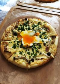 濃厚で絶品『ピザ・ビスマルク』♡