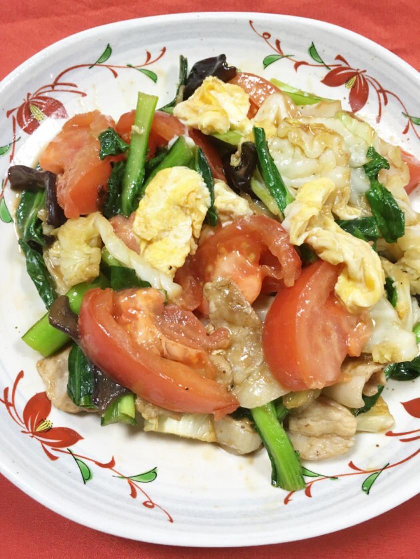 キャベツとトマトと卵のオイスター炒め