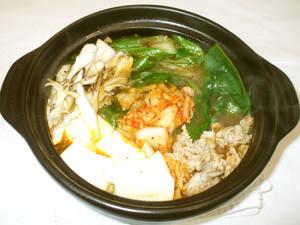 キムチ鍋♪素なし!簡単!豚肉キムチ豆腐