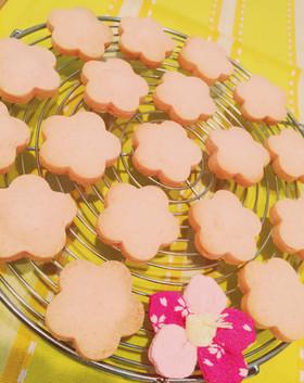 ストロベリーチョコでピンクのクッキー